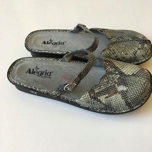 Alegria Slip On Sz 40W Leather Mary Jane Adj Strap